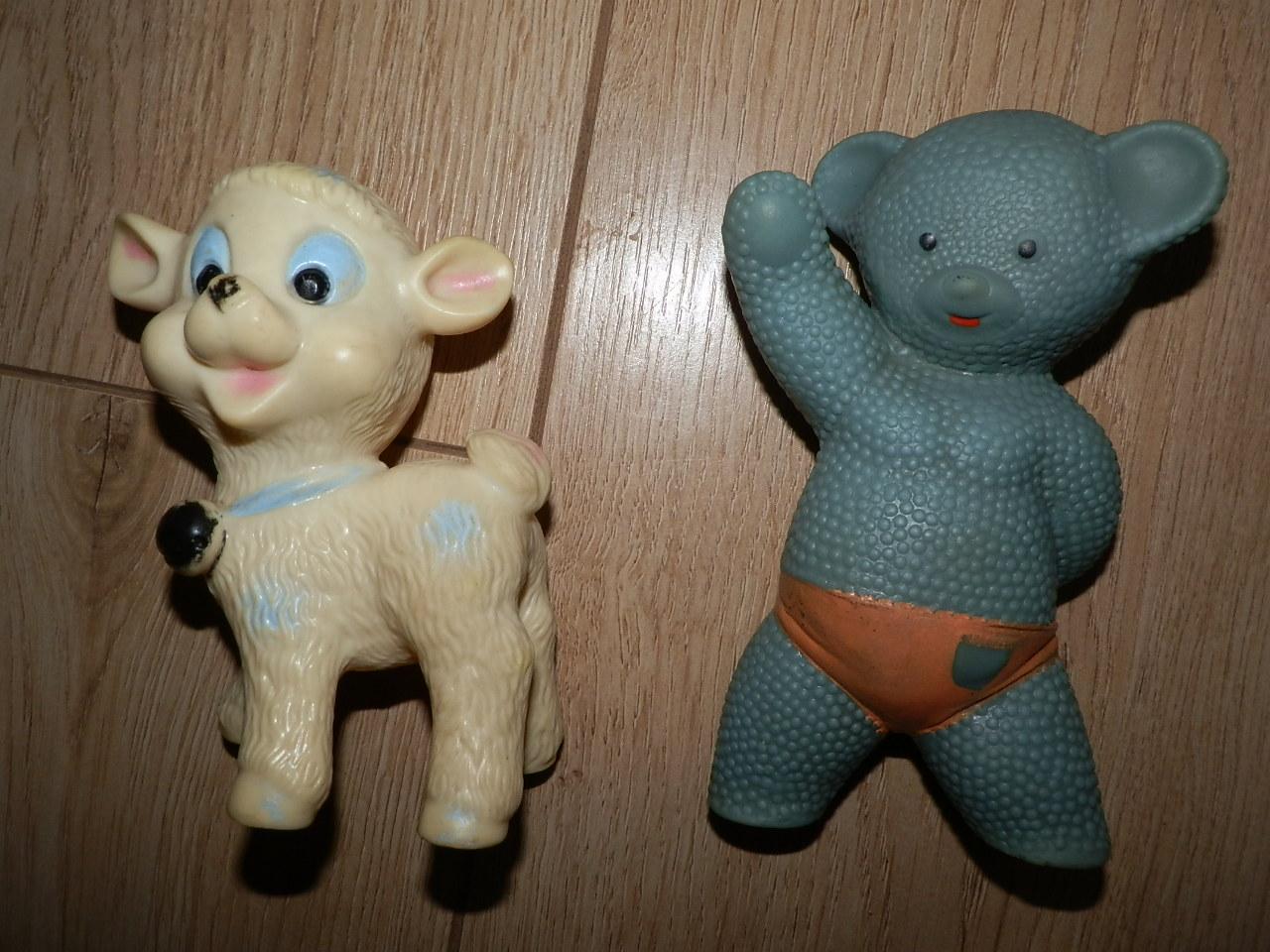 Retro pískacie gumené hračky 564de0f724a