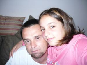 dcérenka s tatuškom...