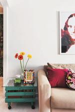 http://casa.abril.com.br/materia/apartamento-tem-solucoes-criativas-para-decorar-reciclar-personalizar#5