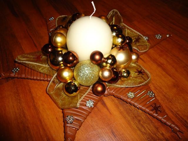 ea7c3f133 Na vianoce - pletené z papiera - vianočna hviezda - zlato-medena ...