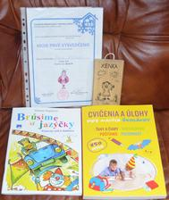 Xenky dostala darček od p. vychovávateľky a aj od nás rodičov v podobe knihy a cvičného bloku