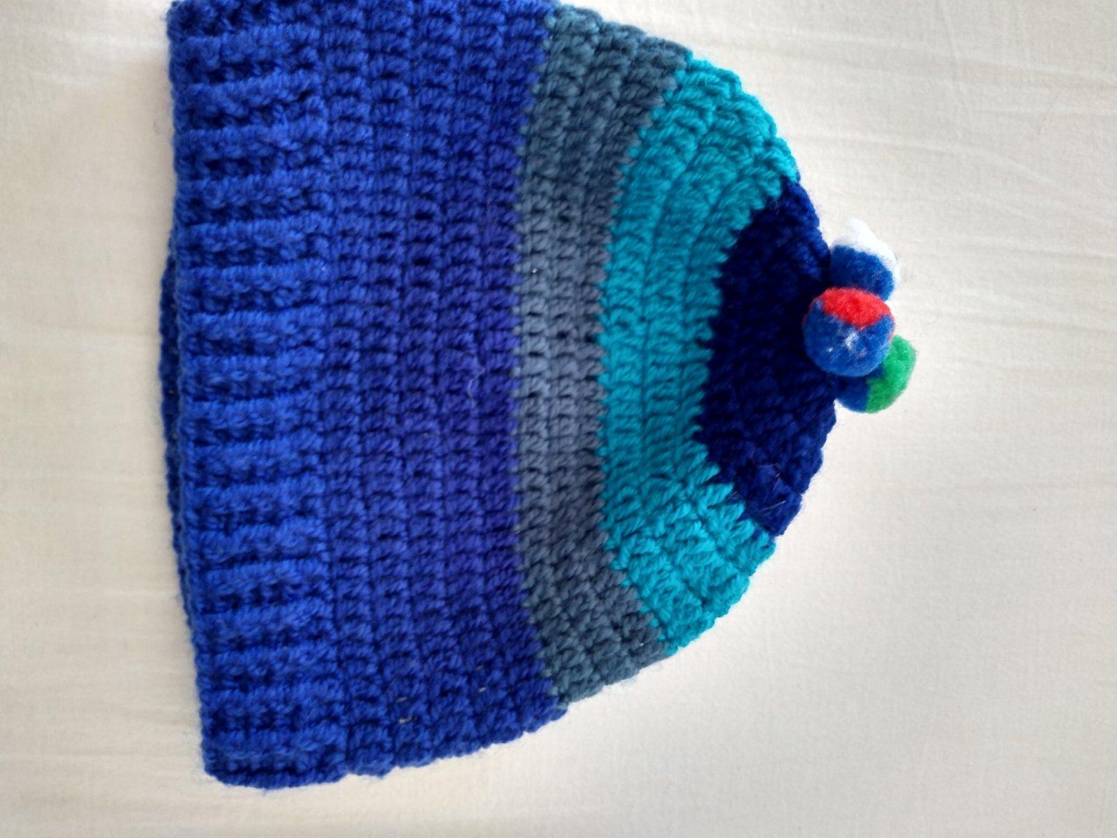 e5ac7286b317 Ručne pletená čiapka na 3-5 rokov