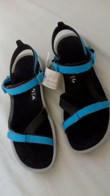 Adidas sandále veľkosť 42 a8de0d2e063