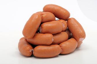 Zloženie: Hovädzie mäso 38%, Bravčová slanina 29%, Bravčové mäso 13%, bravčové kože, pitná voda, zemiakový škrob, soliaca zmes, koreniny, antioxidant vit. C  cena: 5,58 EUR/kg