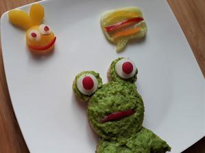 Zamyslena žaba