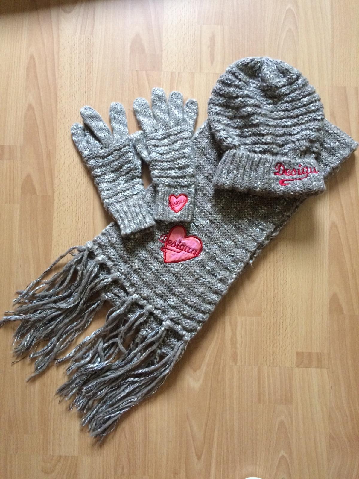 d7e39c002 Súprava- šál, čiapka, rukavice zn. desigual, desigual,s - 40 € od  predávajúcej andy_007 | Detský bazár | ModryKonik.sk
