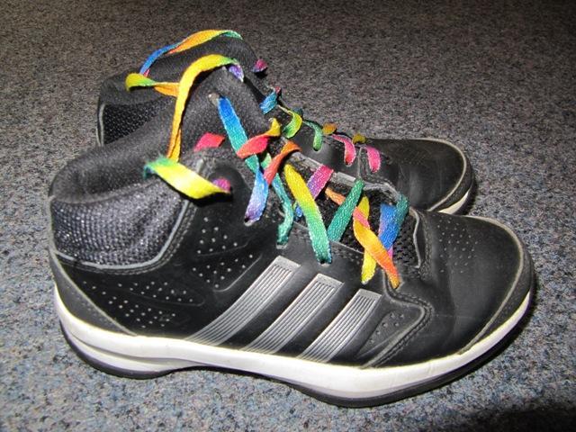 9af5e8674b7f Značkové botasky adidas
