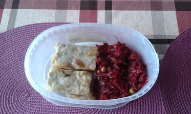 24.den - obed. Rybie file na masle a cviklovy salat