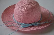 Dievčensky klobuk,