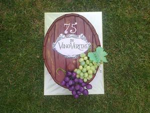 narodeninová-vanilkový korpus, pribináčikový krém, lesná zmes, malinový džem