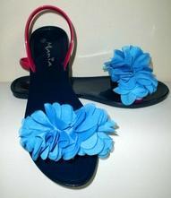 Skvelé kvetinkové gumové sandálky - veľ. 38, 38