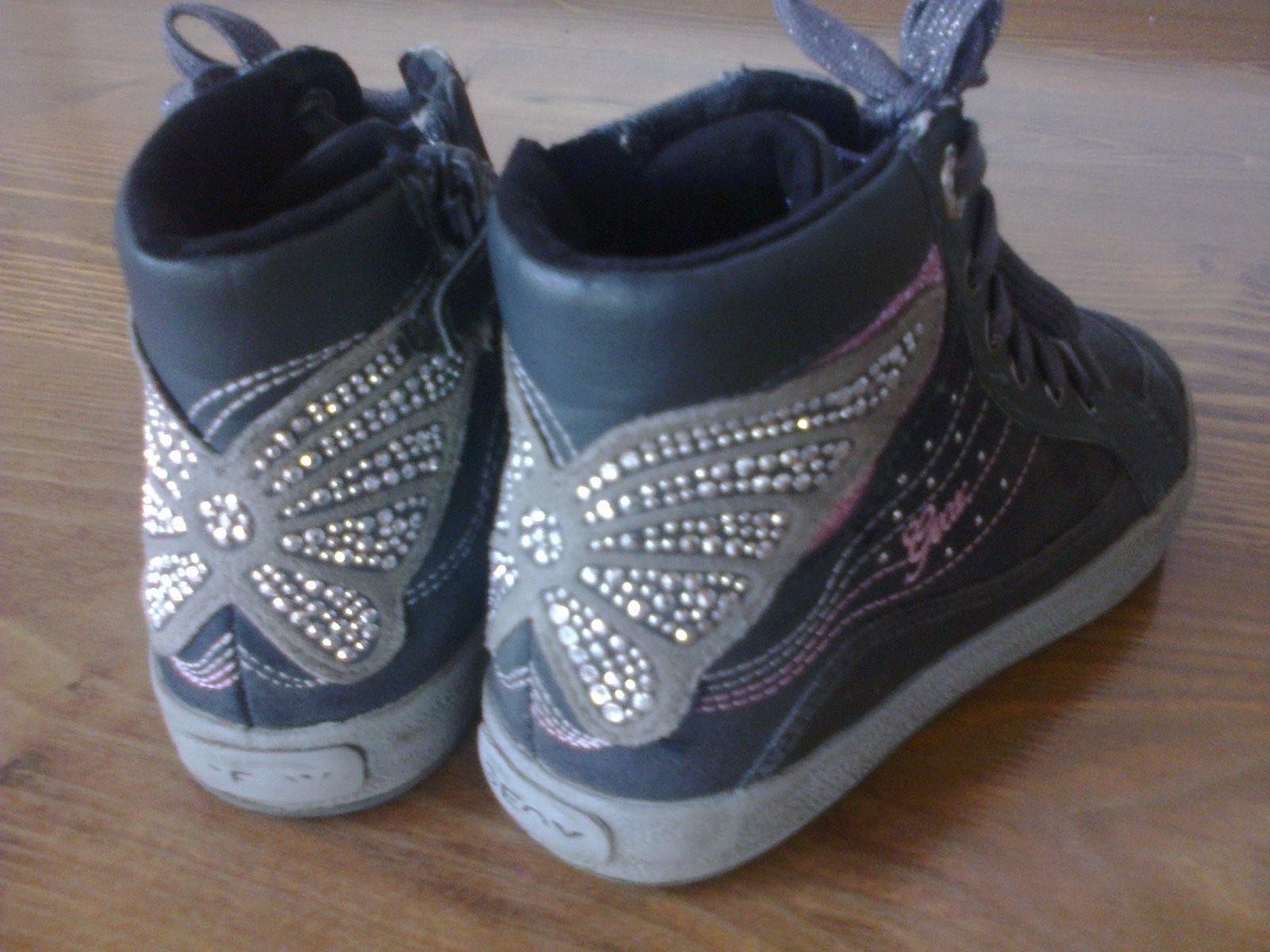 aca7d80540769 Kožené vyvýšené botasky, geox,31 - 10 € od predávajúcej 1alenka ...