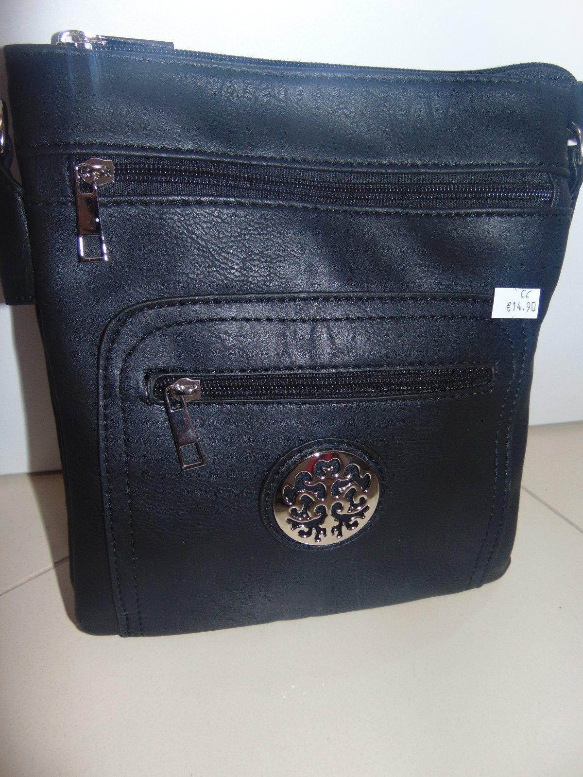 0e4746c43607 Dámske listové kabelky...nový tovar...cena 14