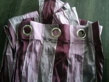 Fialove zavesy,