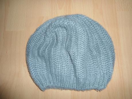 7f8d31f3f Seda damska ciapka, s - 3 € od predávajúcej adrianau817   Detský ...