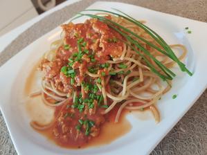 Obed-celozrnne spagety s bolonskou omackou s hovadzieho masa