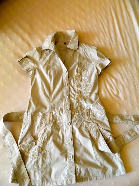 7597a0471b34 Značkové šaty john rocha pre mladú slečnu