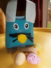 zajko - mame 40 dni na vyrobu - pre deticky do Patrickovej skolky - vo vnutri budu 4 male vajicka /ale balene v zlatku- ze keby niekomu vadilo, ze to je z toal rolky/