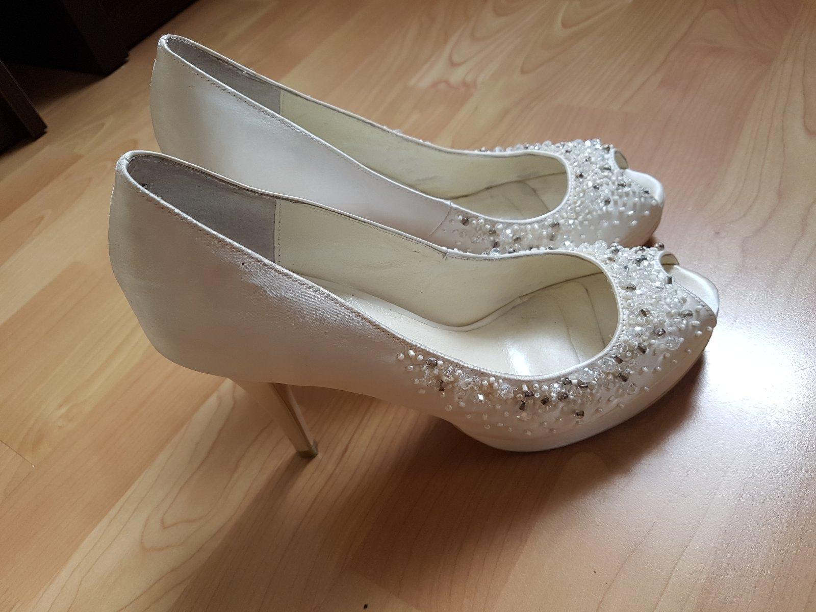 c58a18c82963 Svadobné topánky menbur