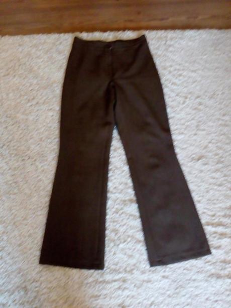 f5403cb7b2e8 Predám nohavicový kostým značky odema
