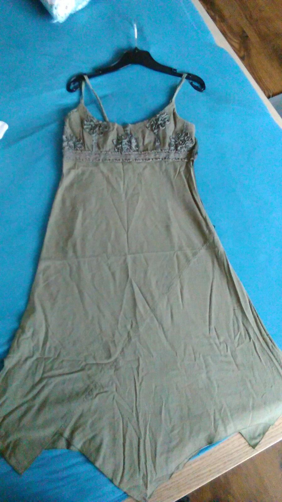 5ce2f9c67f98 -neberiem oblečenie späť- dobre si rozmyslite kúpu -cena + poštovné -ak si  objednáte viac veci