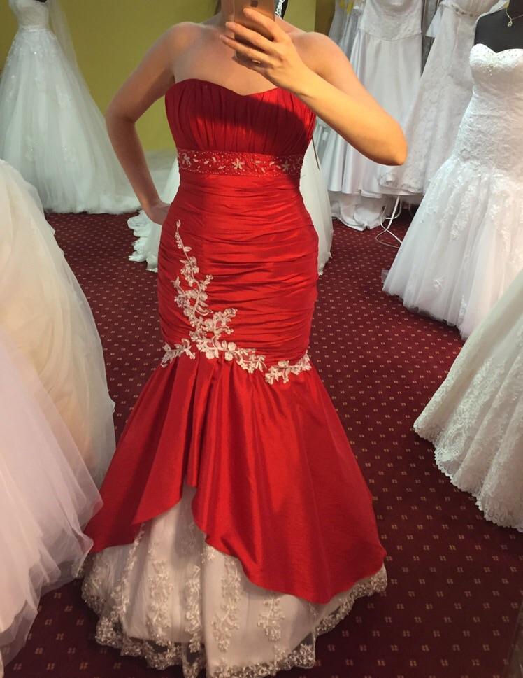 Predám krasne luxusne spoločenské šaty 1ee4e493008