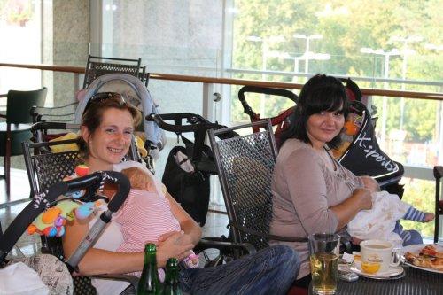 Nase stare kamosky  Samy so svojou sykorkou Eluskou a Lucimka s Matejkom