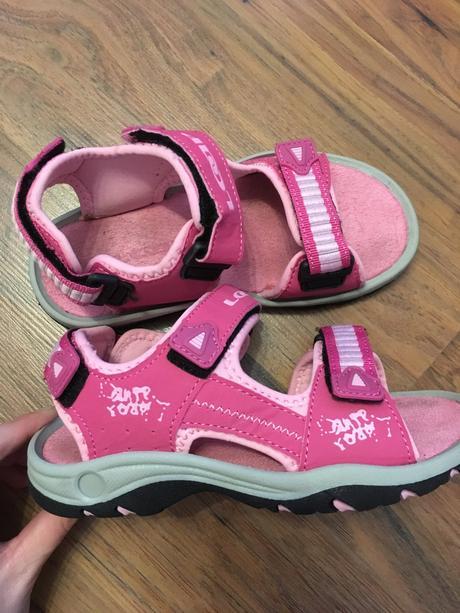 b3eff1963805 Dievčenské športové sandále