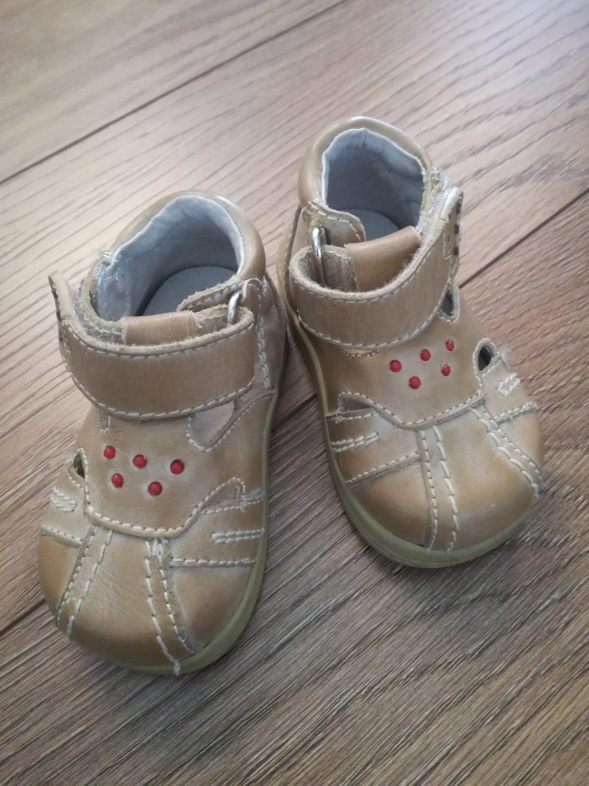 b09ecc9522d7 Predam kožené topánky