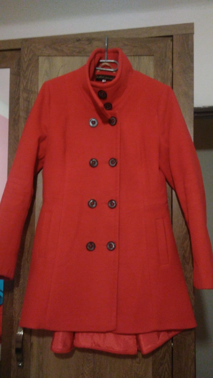 Červený a-čkový kabát 06b5da64b35
