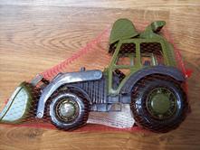 Traktor nakladač vojenský,