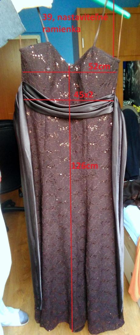 fd84a34a3a39 Dlhé spoločenské šaty so štólou a topánkami