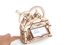 Mechanická krabička - vizitkár,