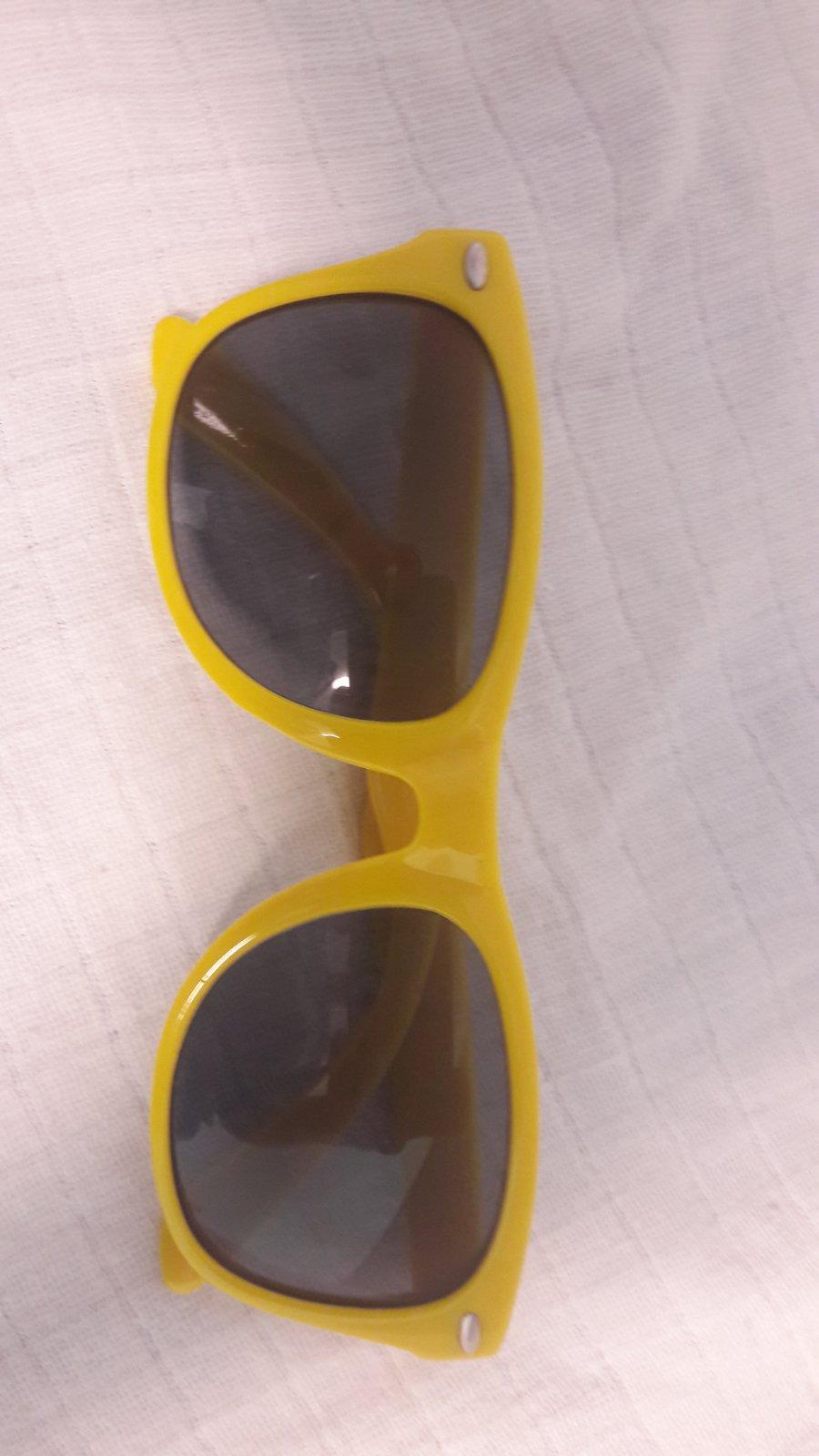 c752b7bba Žlté slnečné okuliare, - 2,50 € od predávajúcej domulik_123 | Detský bazár  | ModryKonik.sk