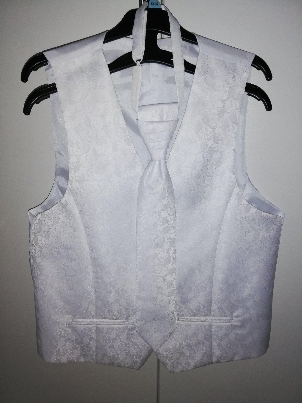 26c517545e26 Svadobná vesta s kravatou