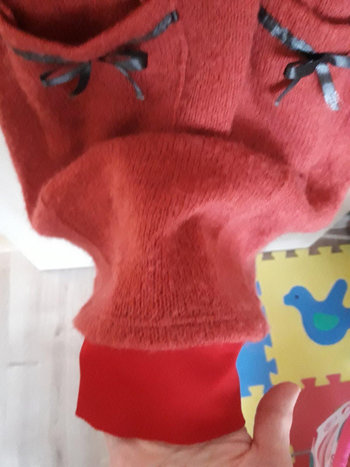 a6cbf9c61877 Zobraz celé podmienky. Červené šaty s golierom jeseň  zima ...