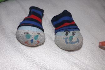 panacikovia ci skor len hlavicky zo starych ponoziek - Jedna pre Patricka jedna pre Kubka - ako inak...vycpane su krupami