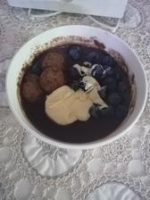 Kaša s arasidovocokoladovym maslom, čučoriedky a super keksíky z lidla(gluten free)