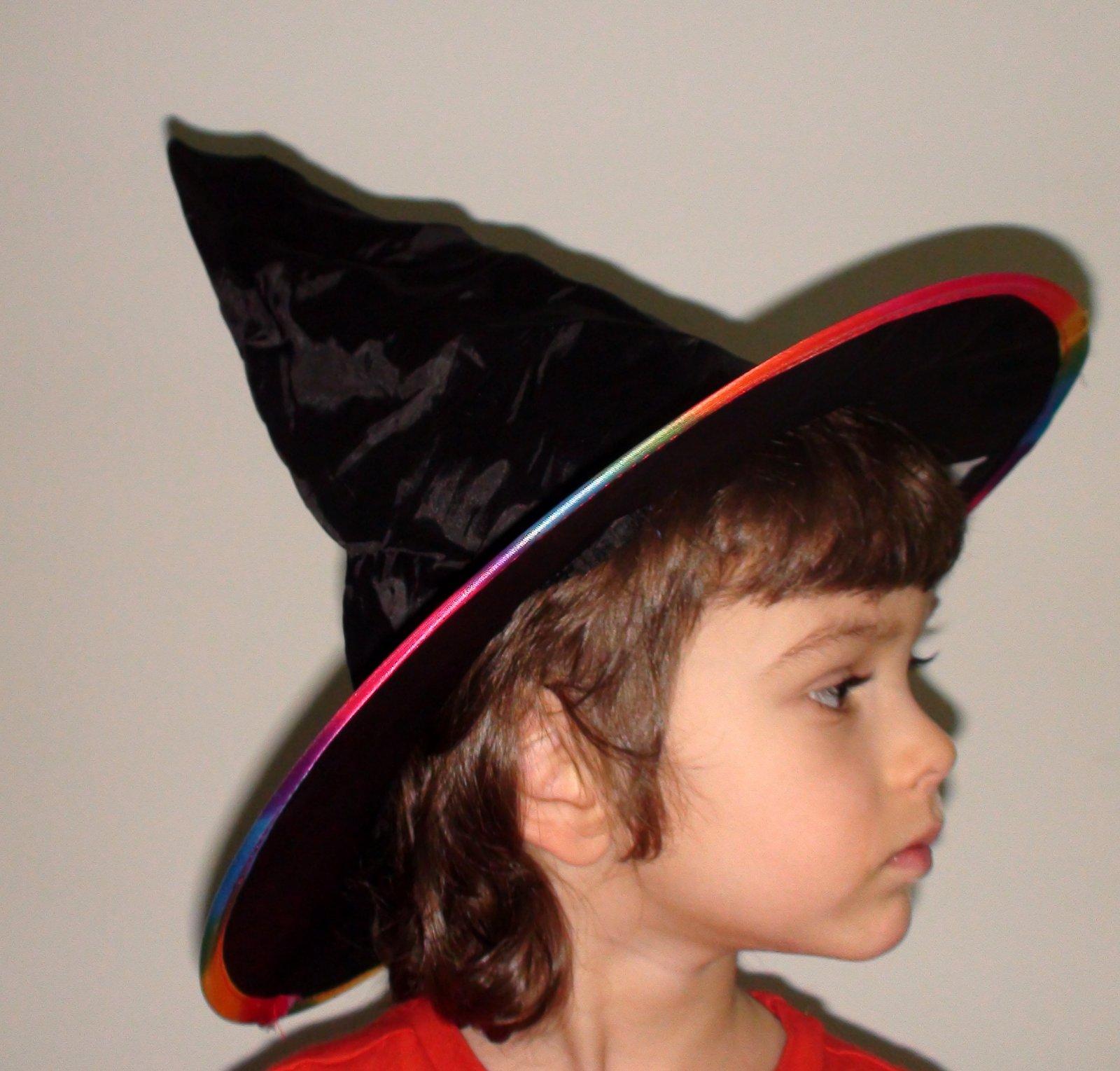 240f9698e Detský čarodejnícky klobúk, - 3,10 € od predávajúcej jenny2608 | Detský  bazár | ModryKonik.sk