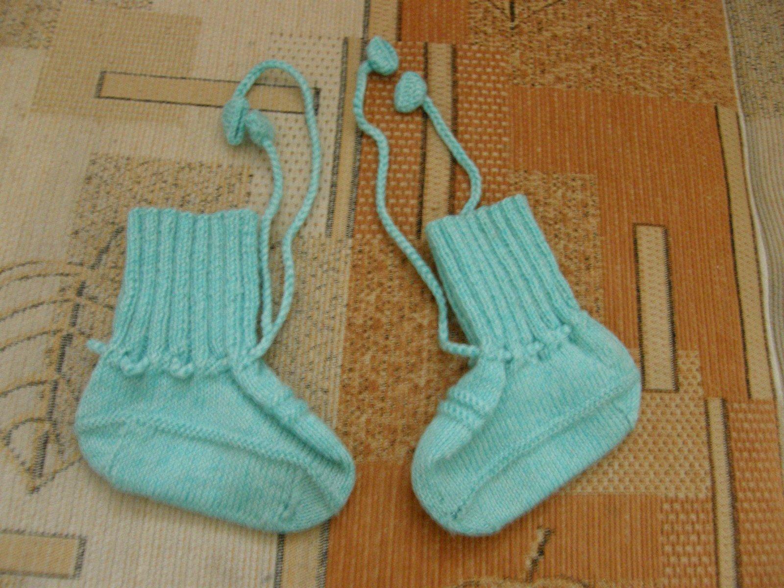 779e9b33a Ručne štrikované papučky pre bábätká, <17 - 2,90 € od predávajúcej  miriamocenka | Detský bazár | ModryKonik.sk